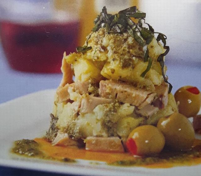 Pastel de patatas con atún y anchoas
