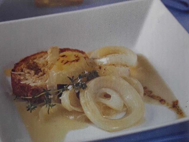 Cebolla gratinada con gruyer